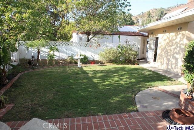 Single Family Home for Sale at 1132 E Elmwood Avenue 1132 E Elmwood Avenue Burbank, California 91501 United States