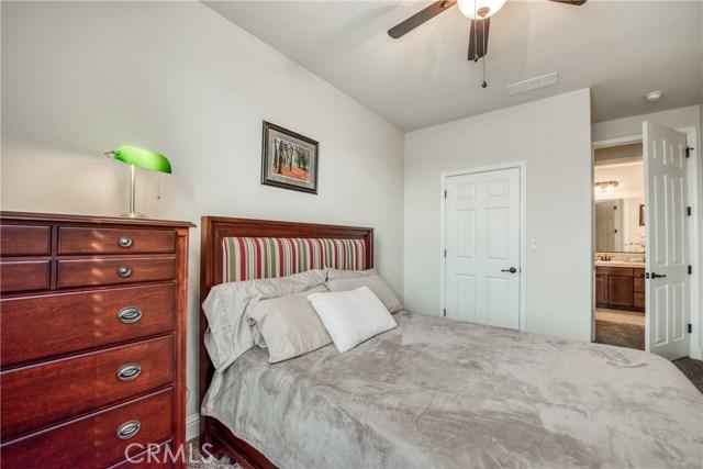 6062 N Torrey Pines Avenue, Fresno CA: http://media.crmls.org/medias/8248b94e-ccbb-43e3-a6e8-7ee3aa132051.jpg