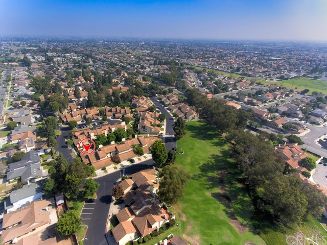 18355 Gum Tree Lane, Huntington Beach CA: http://media.crmls.org/medias/824ae3bf-a1d1-4f00-a0f5-54f70d9faa2f.jpg