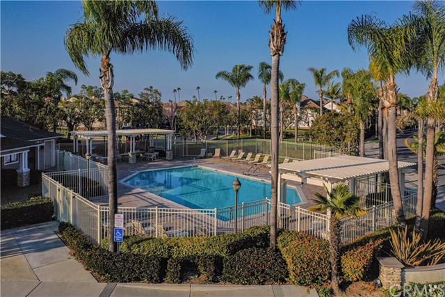 Detail Gallery Image 1 of 1 For 16592 Brigham Ln, Huntington Beach,  CA 92649 - 4 Beds   2/1 Baths
