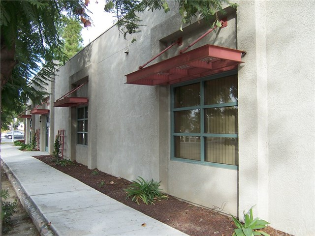 1445 W Redlands Boulevard, Redlands CA: http://media.crmls.org/medias/8269e7f5-e166-4252-a09b-d5c0540715b0.jpg