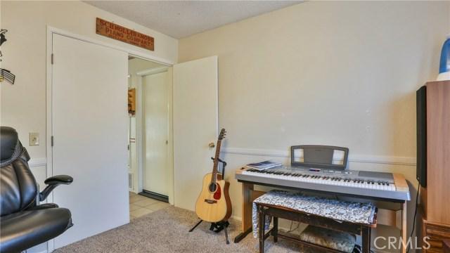 1322 Lanfair Street, Redlands CA: http://media.crmls.org/medias/826c1d18-6de8-4fc9-a845-70f070abf32b.jpg