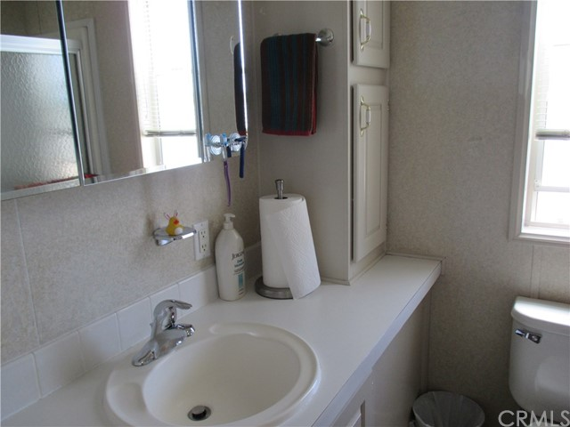 1295 S Cawston Avenue, Hemet CA: http://media.crmls.org/medias/827e526e-56e2-42a9-9083-cfb0baa93e2f.jpg