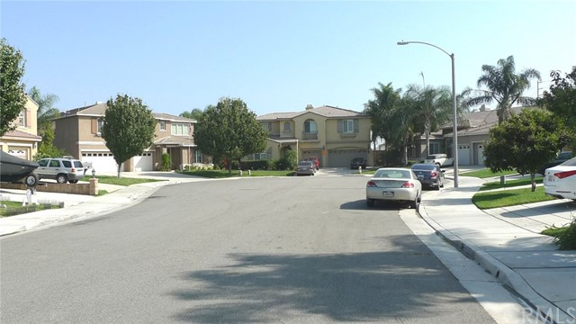 14449 Dalebrook Drive, Eastvale CA: http://media.crmls.org/medias/82801d3f-94c7-40df-9c39-83cb15b4ed14.jpg