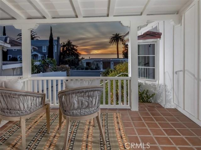 460 Blumont Street, Laguna Beach CA: http://media.crmls.org/medias/828c3031-b132-40c0-a271-293876c34048.jpg