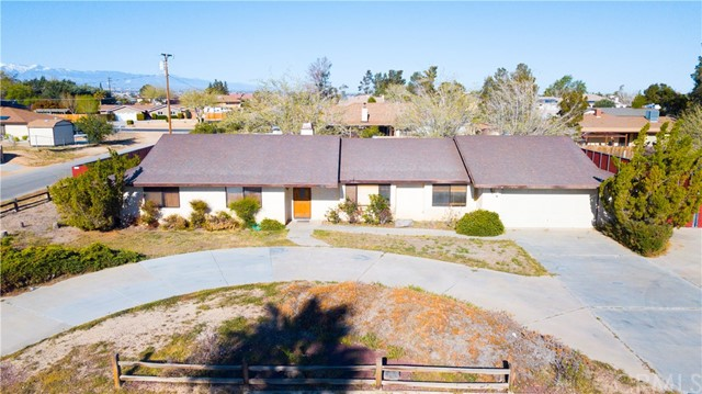 14278 Tawya Road, Apple Valley CA: http://media.crmls.org/medias/82a4d776-c0f8-4bca-9949-bd9a2e9eae22.jpg