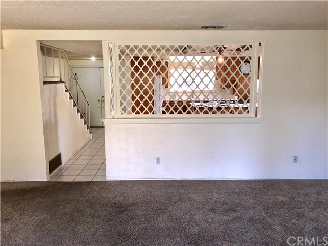 2869 Kathleen Street, Riverside CA: http://media.crmls.org/medias/82c8986a-e067-49d3-a218-347ec55121bf.jpg