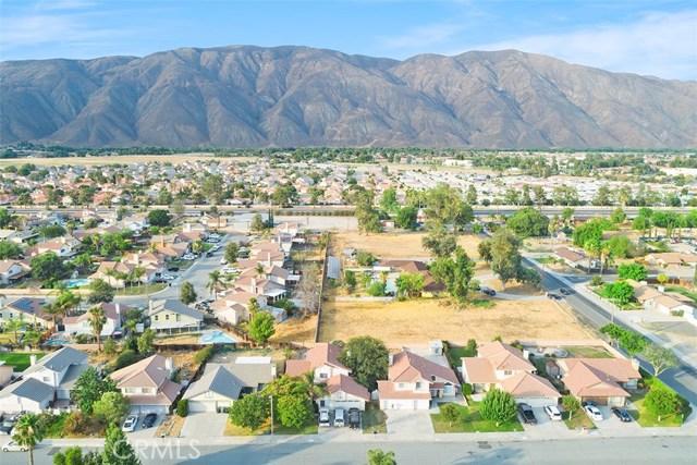 1311 Summerchase Road, San Jacinto CA: http://media.crmls.org/medias/82d4dfac-3ace-4541-a05b-4136ab05bf67.jpg