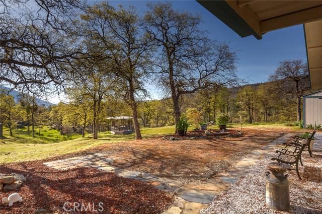 4753 Bear Valley Road, Mariposa CA: http://media.crmls.org/medias/82dddb9b-0f26-4596-b876-a84e70f41500.jpg