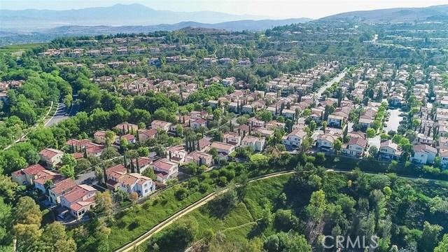 40 Gardenpath, Irvine CA: http://media.crmls.org/medias/82e01553-d457-447f-bfc2-c42653e60805.jpg