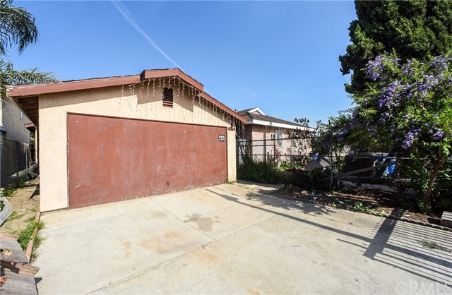 11224 Towne Av, Los Angeles, CA 90061 Photo 2