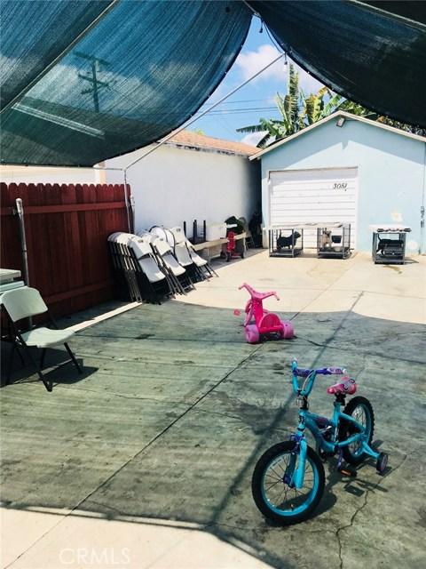 3051 Fashion Avenue, Long Beach CA: http://media.crmls.org/medias/82f87d7e-3553-44a6-b2ce-a16515d2d27b.jpg