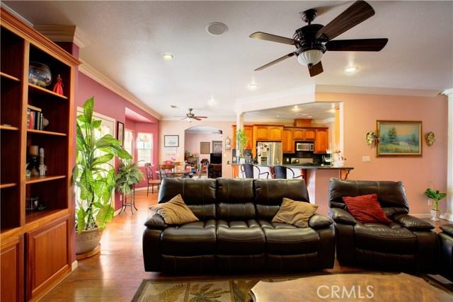 8777 Blossom Avenue, Dos Palos CA: http://media.crmls.org/medias/8301d88e-c135-4ef3-bcf2-7164d5d95259.jpg