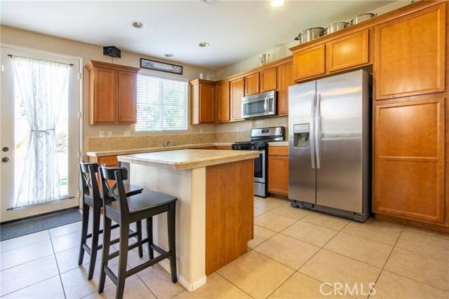 12960 Cobblestone Lane, Moreno Valley CA: http://media.crmls.org/medias/830aa8e2-b797-499c-92ef-f753a48924f2.jpg