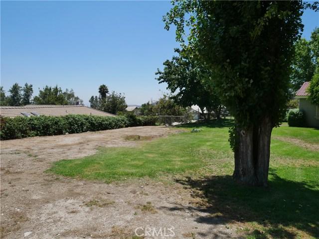 3738 W Meyers Road, San Bernardino CA: http://media.crmls.org/medias/83139b7f-1d6e-4915-a061-4fab9cb31e44.jpg