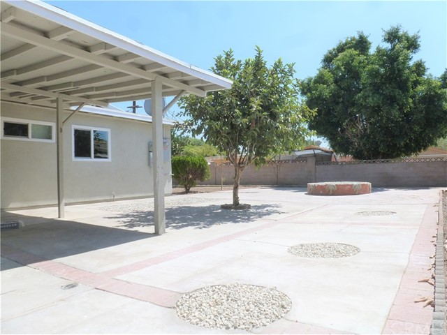 12660 Judd Street, Pacoima CA: http://media.crmls.org/medias/831d06e1-6e37-4260-a623-8c3c3d935e99.jpg