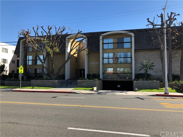 10420 downey 301 Downey, CA 90241 is listed for sale as MLS Listing DW18031913