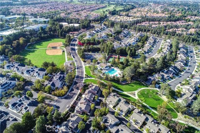 5 Cherrywood, Aliso Viejo CA: http://media.crmls.org/medias/832788d6-bd2d-47d3-97e4-637bd82d3f66.jpg