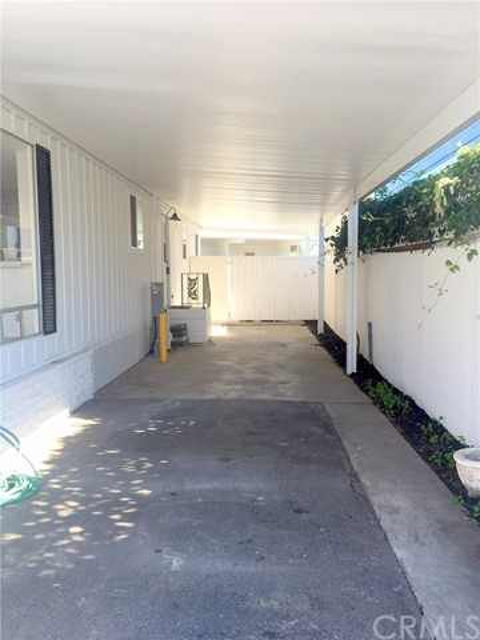242 Lexington Circle, Newport Beach CA: http://media.crmls.org/medias/832868e3-d02a-4140-b2e9-452ef2910b74.jpg