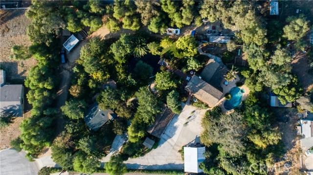 8067 Bridle Path Circle, Riverside CA: http://media.crmls.org/medias/8328ef1d-7f6a-4a4c-8e14-0fcb537c8052.jpg
