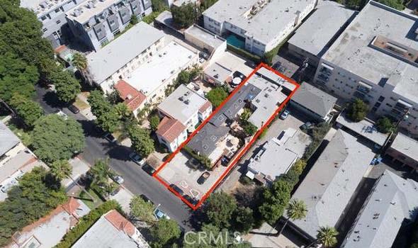 1200 N Orange Grove Avenue, West Hollywood CA: http://media.crmls.org/medias/8329f4f1-e445-4cbe-a578-4ea95166cdd5.jpg