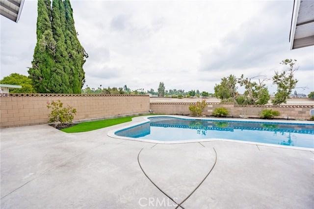 1730 La Mesa Oaks Drive, San Dimas CA: http://media.crmls.org/medias/83355d91-457c-4f1f-b0fa-a53f78261b89.jpg