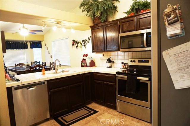 5467 N Delbert Avenue, Fresno CA: http://media.crmls.org/medias/833ae46f-1a62-4d8d-8404-5bd13ac4e97d.jpg