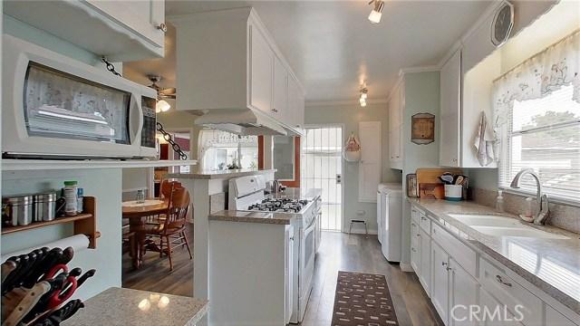 5207 Fidler Avenue, Lakewood CA: http://media.crmls.org/medias/834a3f64-3140-42a9-8ea2-5d8014a3fcac.jpg