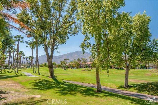55371 Winged foot, La Quinta CA: http://media.crmls.org/medias/834d6960-7ddc-4eae-bff4-7af009e70fda.jpg