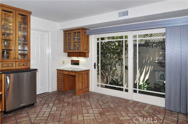 2515 Vista Drive, Newport Beach CA: http://media.crmls.org/medias/834dca53-e5aa-4ca5-85e1-7b0398186ae8.jpg