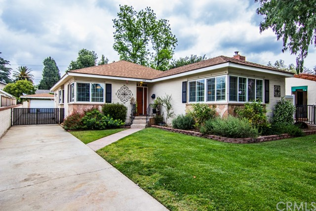 Single Family Home for Sale at 3739 Oakwood Place Riverside, California 92506 United States