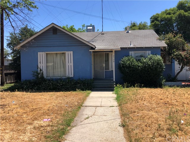 Detail Gallery Image 1 of 12 For 2520 P St, Merced,  CA 95340 - 2 Beds   1 Baths