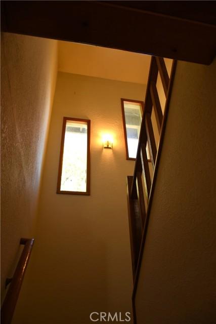 25105 Jewel Drive, Crestline CA: http://media.crmls.org/medias/83661ebe-6f81-4202-8218-a705ad4cfb4f.jpg