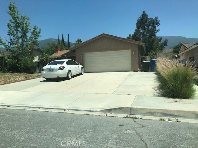 2556 Periwinkle Drive, San Bernardino CA: http://media.crmls.org/medias/836fa6d4-2d26-43b4-846c-8b12c8e569ea.jpg