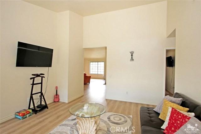 43750 Texas Avenue, Palm Desert CA: http://media.crmls.org/medias/8375a4ab-4aa4-4754-97a5-684a5eac80a9.jpg
