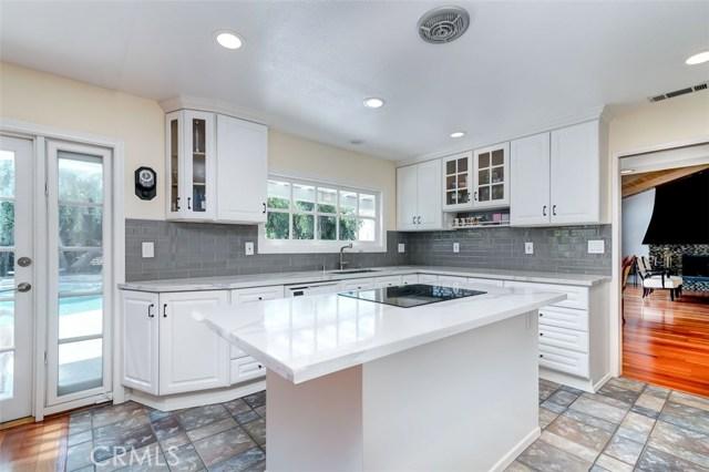 164 Villa Rita Drive, La Habra Heights CA: http://media.crmls.org/medias/838038c6-8ae5-47fe-92ea-9551fe8708c1.jpg