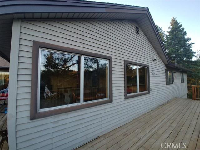 1287 Piney Ridge Place, Fawnskin CA: http://media.crmls.org/medias/8389f051-471c-4d79-8bff-f4125244b9a9.jpg