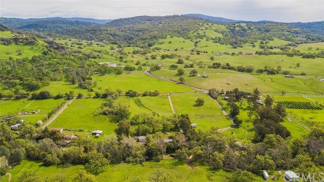 3179 Dry Creek Road, Butte Valley CA: http://media.crmls.org/medias/8394deaf-ba58-466f-8a32-37811950b074.jpg