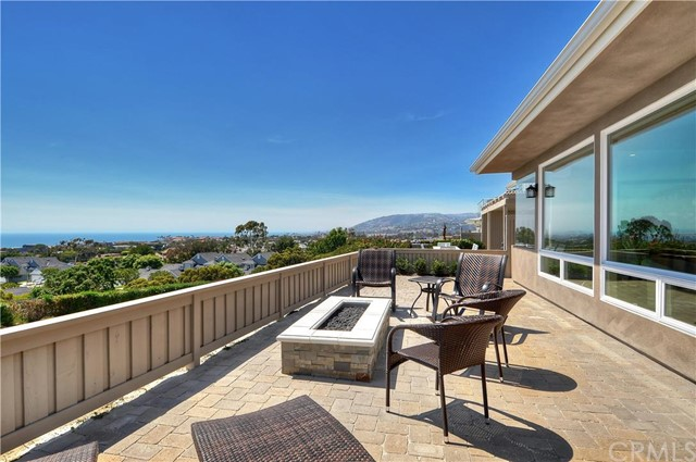 33905 Manta Court, Dana Point CA: http://media.crmls.org/medias/83a45943-af69-43b0-9b73-1b1ab30aa632.jpg