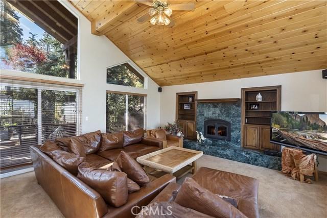 283 Fairway Drive, Lake Arrowhead CA: http://media.crmls.org/medias/83a56ef7-3342-4081-9ec2-6049382c1d32.jpg