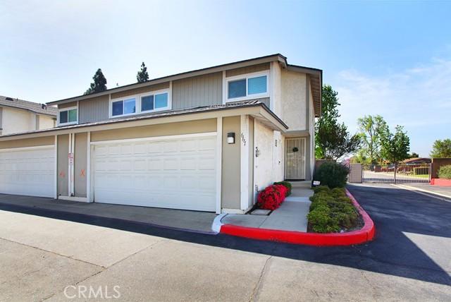 Photo of 667 S College Avenue, Claremont, CA 91711