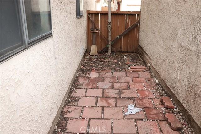 3221 Vineland Avenue, Baldwin Park CA: http://media.crmls.org/medias/83b5fd71-9547-4e7d-99a8-3b126affd378.jpg