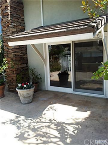 880 N Holly Glen Dr, Long Beach, CA 90815 Photo 6