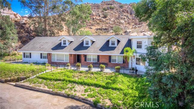 27475 Santa Fe Street Hemet, CA 92543 is listed for sale as MLS Listing OC16197122