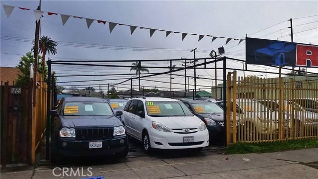 710 E Florence Avenue, Los Angeles CA: http://media.crmls.org/medias/83e44cd7-250b-4539-92ba-e3530583ef4c.jpg