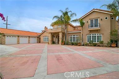 18532 Santiago Boulevard, Villa Park, CA 92861
