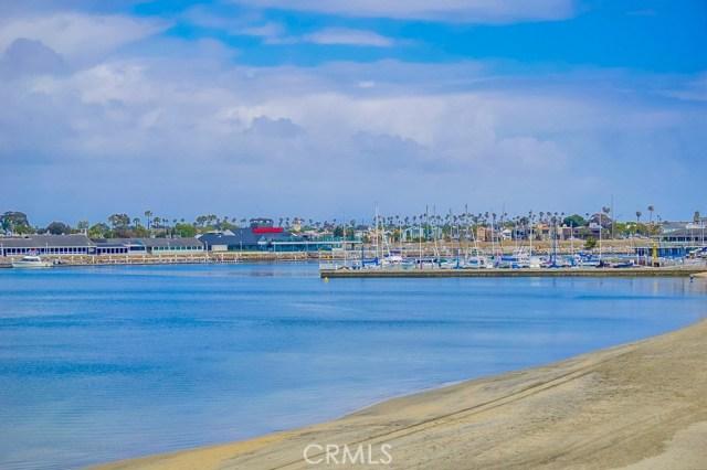 6815 E Seaside Walk, Long Beach CA: http://media.crmls.org/medias/83f2e5d4-5445-4914-9641-cbd7f01c5d25.jpg
