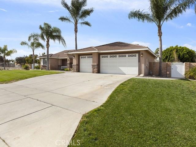 10169 Woodbridge Lane, Riverside CA: http://media.crmls.org/medias/83f4d55d-7fd5-44c2-91f4-e7179c16a4ac.jpg