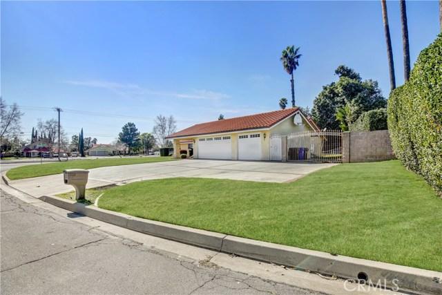 5892 Date Avenue, Rialto CA: http://media.crmls.org/medias/83fe2956-a3d6-494e-a807-12d9209eedd4.jpg