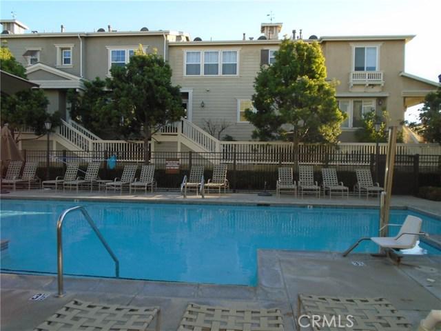 1800 Oak St 201, Torrance, CA 90501